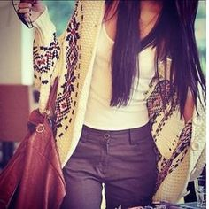 sweater season 24 Sweater season is near photos) Komplette Outfits, Fall Outfits, Fashion Outfits, Womens Fashion, Fashion Blogs, Tribal Fashion, Fashion Ideas, Bag Jeans, Belle Silhouette