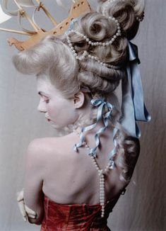 / hairstyles that contain a ship / marie antoinette / french costume / Marie Antoinette, Avant Garde Hair, Rococo Fashion, 18th Century Fashion, Delphine, Rococo Style, Halloween Kostüm, Masquerade Ball, Big Hair