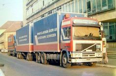 https://flic.kr/p/aHrfRM   Einar Claesson, Sweden   company: Einar Claesson Akeri AB; tractor: Volvo F12 Globetrotter; plate: GJO 121 (front), ABJ 475 (back); location: Oradea (RO)