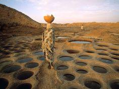 George Steinmetz, Salt works at Teguidda-n-Tessoumt, Niger.