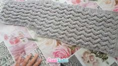 Tığ İşi Çeyizlik Bayan Yelek Yapılışı Türkçe Videolu Crochet Art, Fingerless Gloves, Arm Warmers, Blanket, How To Make, Modern, Fashion, Bonito, Amigurumi