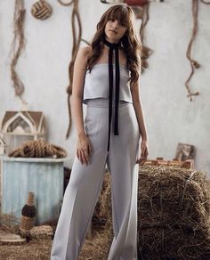 IG PICTURE! #MODEL #AMAFAN Sue Ramirez, New Girl Style, Espanto, Filipina Actress, Shot Hair Styles, Child Actresses, Celebs, Celebrities, Best Actress