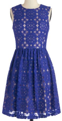Love the tiled lace pattern on this dress! http://rstyle.me/n/fypd4nyg6