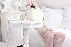 Shabby Chic is my favorite. White decor in a house on the beach.