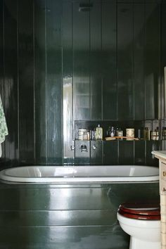 green bathroom Discover the best design ideas for bathrooms on HOUSE - design, food and travel by House amp; Garden, including this small dark green bathroom with tongue and groove panelling. Simple Bathroom Designs, Modern Bathroom, Masculine Bathroom, Chic Bathrooms, Design Bathroom, Bathroom Interior, Interior Exterior, Exterior Paint, Toilet For Small Bathroom