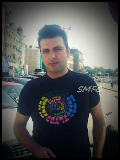 Fotos e vídeos de Mark Feehily Forever ( Markus Feehily, 80s Icons, My World, My Life, Photo And Video, Sewing, Twitter, Celebrities, Videos
