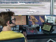 Die Flugsicherung skyguide ist pünktlicher geworden: Nur noch 2,6 Prozent der Flüge hatten im ersten Halbjahr 2016 Verspätung. (Archiv)