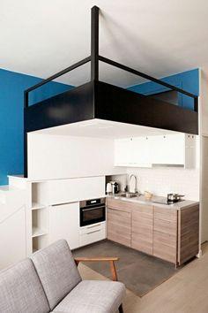 amenagement petite chambre deux niveaux lit et cuisine avec canape salon