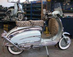 Piaggio Scooter, Scooter Bike, Vespa Lambretta, Motor Scooters, Vespa Scooters, Mod Fashion, Sidecar, Chopper, Hot Wheels