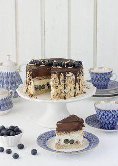 Blaubeer-Torte mit Eierlikör und Schokomousse