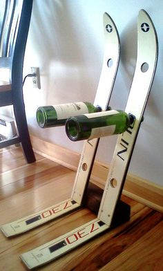 12 wine racks made from recycled skis. (via Recyclart)