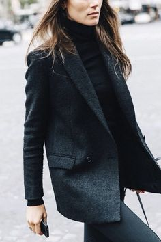 Black look, blazer, coat Fashion Mode, Work Fashion, Office Fashion, Paris Fashion, Petite Fashion, Street Fashion, Latest Fashion, Fashion Trends, Turtleneck Style