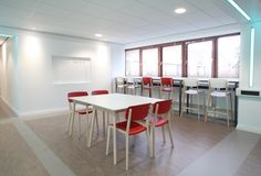 Jonty tables and chairs at Manchester Metropolitan University