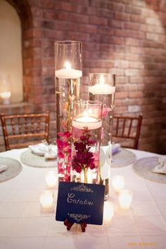 centerpiece very easy and inexpensive to do at home!
