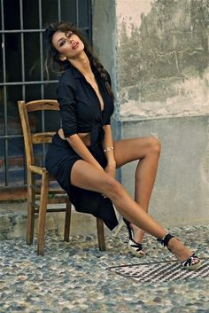 (legs) (heels) (sitting) (side)