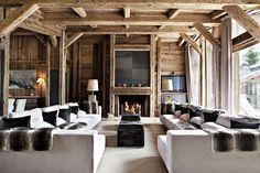 Country house style. Diseño con madera en interiores rústico. Decoración contemporánea natural en madera. Cabaña diy con madera para habitación, sala y cocina.