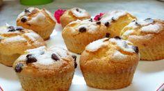 ¡Buenos días! Empezamos la semana con magdalenas caseras con pepitas de chocolate ☕ Homemade Desserts, Muffin, Chocolate, Breakfast, Food, Home Made Cupcakes, Bom Dia, Homemade, Deserts