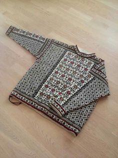 Utrolig smuk Fair Isle Knitting Patterns, Fair Isle Pattern, Knitting Designs, Knit Patterns, Knitting Projects, Crochet Projects, Easy Knitting, Knitting Stitches, Punto Fair Isle