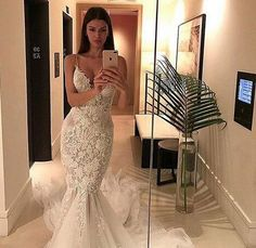 2018 Backless Wedding Dresses Mermaid Spaghetti Lace Tulle