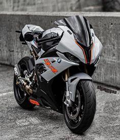 Bike Bmw, Moto Bike, Motorcycle Gear, Bmw S1000rr, Super Bikes, Kawasaki Z650, Kawasaki Ninja, Cb 1000, Lowrider Bicycle