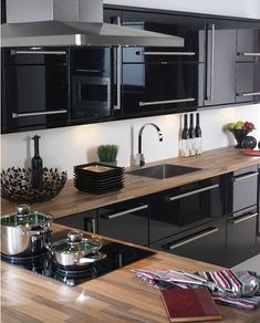 Interior design ideas for a luxury kitchen decor. On this kitchen, you can see extraordinary furniture design pieces. Take a look at the board and let you inspiring! See more clicking on the image. Black Kitchen Cabinets, Kitchen Cabinet Design, Black Kitchens, Luxury Kitchens, Modern Kitchen Design, Interior Design Kitchen, Cool Kitchens, Kitchen Island, Kitchen Designs