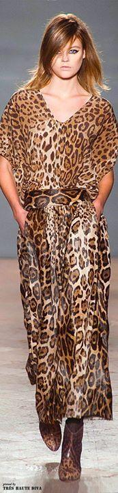 É sua preferida ?   Quer completar seu look. Veja essa seleção de Animal Print  http://imaginariodamulher.com.br/look/?go=1pRjLv8
