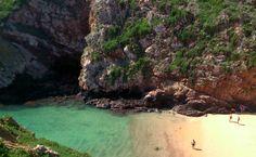 Berlengas: praia tranquila em um cenário arrebatador Portugal, Road Trip, River, Vacation, Outdoor, European Countries, Beaches, Lisbon, Destiny