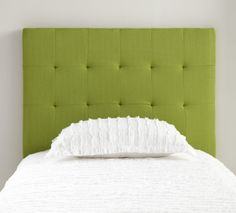 Refresh your bedroom with a Pantone Greenery Headboard. Green Headboard, Twin Headboard, Lime Green Bedrooms, Bedroom Green, Color Of The Year 2017 Pantone, Pantone Color, Top Paint Colors, Pantone Greenery, Trending Paint Colors