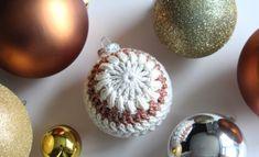 Gratis Haakpatroon Kerstbal, diagram + stap voor stap beschrijving Christmas Crochet Patterns, Christmas Knitting, Christmas Diy, Christmas Bulbs, Xmas, Christmas Stuff, Crochet World, Knit Crochet, Diy And Crafts