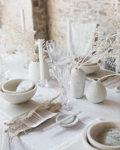 "Contemporary Wedding style : ""White on white palettes and textural details… a tablescape by from our - New Site Reception Table, Wedding Table, Wedding Reception, Wabi Sabi, Wedding Designs, Wedding Styles, Wedding Ideas, All White Wedding, Dream Wedding"