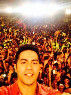 Thank you Mumbai love you and #HappyJanmashtami to everyone pic.twitter.com/pj723ZjDJO