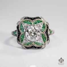 ANTIQUE-ART-DECO-PLATINUM-1-27ctw-DIAMOND-EMERALD-ONYX-RING
