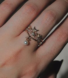 rings by sofia zakia Cute Rings, Pretty Rings, Cute Jewelry, Jewelry Accessories, Accesorios Casual, Fantasy Jewelry, Fashion Jewelry, Wedding Rings, Bling