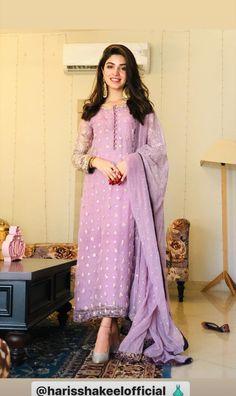 Pakistani Fashion Casual, Pakistani Dresses Casual, Pakistani Bridal Wear, Indian Fashion Dresses, Eid Dresses, Dress Indian Style, Pakistani Dress Design, Party Wear Dresses, Indian Outfits