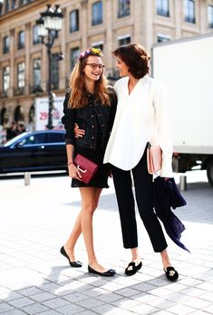 #InesDeLaFressange kicking it with her daughter Violette in Paris. tres cool. #AllThePrettyBirds