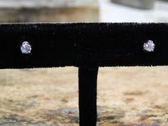 0.25 ct Diamond Stud Earrings