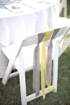 Simple y hermosa decoracion de sillas para boda al aire libre (encuentra el paso a paso en el articulo!)