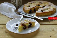 La crostata morbida in 10 minuti è un dolce facile e velocissimo: si prepara tutto in una ciotola e con la sua bontà vi delizierà a colazione o a merenda!