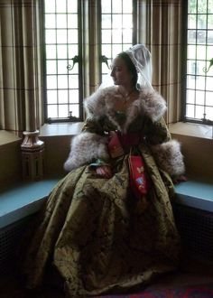 Custom order Late medieval ladies Houppelande gown (early fifteenth century via…