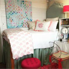 Dorm Room - University of Arkansas College Bedding, College Dorm Rooms, Arkansas, Dorm Hacks, Dorm Life, College Life, College Years, College Dorm Decorations, Ideas Hogar