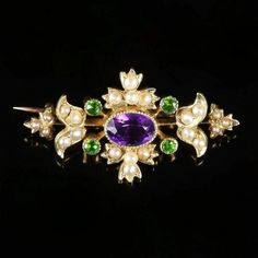 This lovely antique Victorian brooch was made representing the Suffragette movement, Circa Gems Jewelry, Jewelry Art, Jewelery, Women Jewelry, Victorian Jewelry, Antique Jewelry, Vintage Jewelry, Victorian Era, Suffragette Jewellery