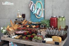 www.kamalion.com.mx - Mesa de Quesos / Botanas / Bebidas / Bautizo / Menta & Rosa / Pink & Mint / Vintage / Rustic Decor / Frascos / Jars / Cheese Table / Bread / Drinks.