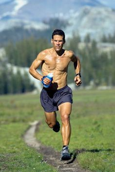 Dean Karnazes has run a marathon in all 50 states. #incredible #idol #runner