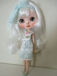 Custom Blythe OOAK art doll by Eskabelle