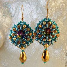 Beaded earringts with crystals   Купить Серьги из бисера Новогодние Огоньки /Сережки из бисера зеленый золотой - серьги
