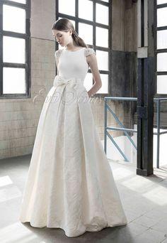 Vestido de novia Inmaculada Garcia colección 2016 modelo Chloeen Eva Novias Madrid. #weddingdress #vestido #novia #boda #madrid #tienda #novias #moda #bridalfashion