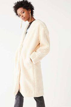 631d7269 Slide View: 2: UO Ina Faux Sherpa Over Coat Women's Coats, Urban Outfitters