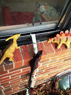 Imaginative Parents Make Their Kids' Dinosaur Toys 'Come Alive' At Night - DesignTAXI.com