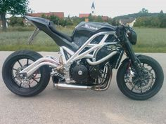 A thing of speed AND beauty Custom Street Bikes, Custom Motorcycles, Custom Bikes, Motorcycle Design, Bike Design, Super Bikes, Street Fighter, Cool Bikes, Motorbikes