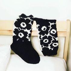 Wool Socks, Knitting Socks, Project Life Scrapbook, Patterned Socks, Marimekko, Mittens, Christmas Stockings, Knit Crochet, Diy Crafts